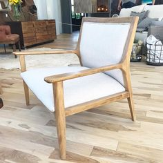 "Estudio V on Instagram: ""Butacon olsen #estudiov #decoracion #decoration #decor"" Accent Chairs, Armchair, Instagram, Furniture, Home Decor, Solid Wood, Couches, Dining Room, Banquettes"
