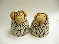 Beránek, ovečka - na přání Ceramic Fish, Ceramic Teapots, Ceramic Art, Pottery Animals, Ceramic Animals, Pottery Handbuilding, Sheep Art, How To Make Clay, Handmade Christmas Decorations