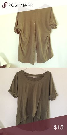 button back oversize silence and noice top preowned. good condition. Urban Outfitters Tops Tees - Short Sleeve