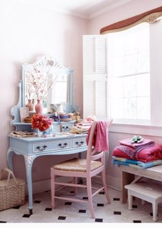 This vanity table is just perfect.