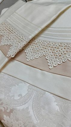 Pike Lace Samples - Diy and craft Filet Crochet, Crochet Lace Edging, Crochet Borders, Crochet Trim, Crochet Patterns, Crochet Symbols, Linens And Lace, Heirloom Sewing, Crewel Embroidery