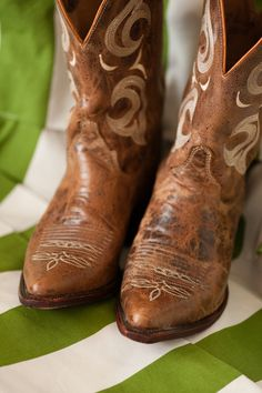 Country wedding, cowgirl boots