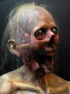The Biter by Jonathan Fuller, amazing work! Any look with that hair is creepy Gothic Horror, Arte Horror, Horror Art, Horror Pictures, Creepy Pictures, Zombies, Evil Dead, Monster Makeup, Zombie Art