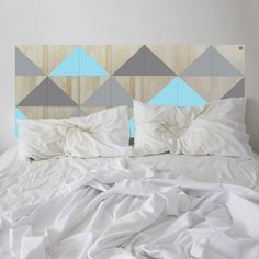 This NOD BERMUDA Bedhead in Aqua, Grey Charcoal is packed with geometric goodness!