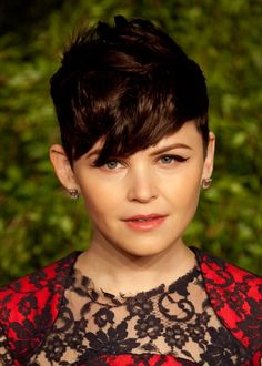 Ginnifer Goodwins messy, short hairstyle