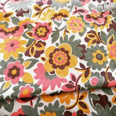 1970s cotton floral vintage French fabric.  Click to visit my Etsy shop and check out the rest of my vintage fabrics.