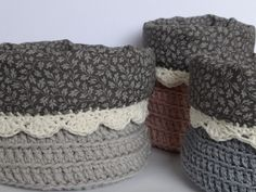 Never would have thought to line crochet baskets with fabric! Small Crochet Gifts, Crochet Diy, Crochet Home, Love Crochet, Knit Basket, Crochet Baskets, Crochet Double, Homemade Bags, Cotton Cord