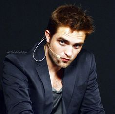 *** DOING COSMOPOLIS PROMO AT MEET THE FILMMAKERS AT THE APPLE STORE IN LONDON UK 2012 ***