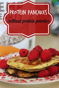 Protein pancakes without protein powder! 25 g of protein and a great source of healthy fats. These pancakes are also gluten-free! www.fitnessista.com