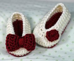 Crochet Baby Booties in Beautiful Fall and Winter Colours by TheBabyCrow