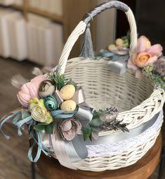 Diwali Decorations, Flower Decorations, Easter Gift, Easter Crafts, Wedding Gift Baskets, Wedding Stage Design, Wicker Picnic Basket, Deco Floral, Easter Activities