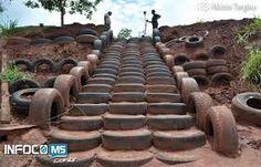 Resultado de imagem para escada de pneus velhos