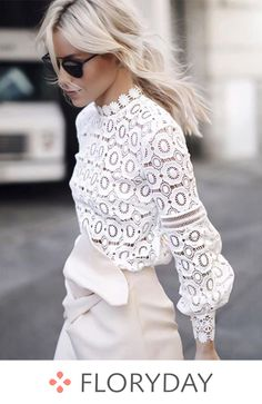 The Most Popular Genious Street Style Ideas To Try Right Now Net & Lace tops fashion outfit ideas The Best of summer fashion in Looks Street Style, Looks Style, Mode Chic, Mode Style, Mode Outfits, Fashion Outfits, Womens Fashion, Fashion Blouses, Ladies Fashion