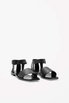 Square-toe leather sandals