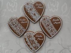 Svadobné medovníky | Medovníky Artmama.sk Holiday Cookies, Cookie Decorating, Sugar, Gingerbread Houses, Desserts, Art, Tailgate Desserts, Art Background, Deserts