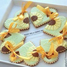 """Купить """"Fleur solaire"""" сердечки пряничные. Козули - жёлтый, пряники, козули, печенье, подсолнухи, сердце"""