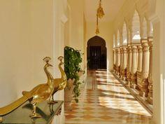 Collonaded gilt corridors, Rambagh Palace hotel, Jaipur, Rajasthan, India. Maharani Gayatri Devi, royal, Steam, Polo bar, Maharani Suite, Grand Royal room