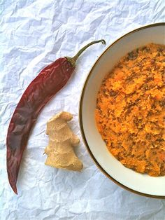 Delicious Raw Curry Ginger Carrot Spread - This is really delicious! It is gluten-free, nut-free, vegan, paleo, and most importantly, raw!