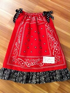to Make a Bandana Dress for a Toddler A cute bandana dress with black ruffle~ This site is similar - sew a ruffle on the bottom and add lace.KEAA cute bandana dress with black ruffle~ This site is similar - sew a ruffle on the bottom and add lace. Baby Outfits, Kids Outfits, Sewing For Kids, Baby Sewing, Sewing Clothes, Diy Clothes, Dress Sewing, Barbie Clothes, Fashion Clothes