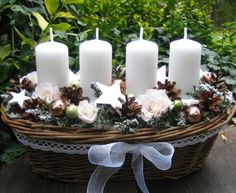 Vánoce něžně / Zboží prodejce Silene | Fler.cz Advent Wreath Candles, Christmas Advent Wreath, Silver Christmas Decorations, Christmas Card Crafts, Xmas Wreaths, Christmas Candles, Noel Christmas, Christmas Centerpieces, Decoration Table