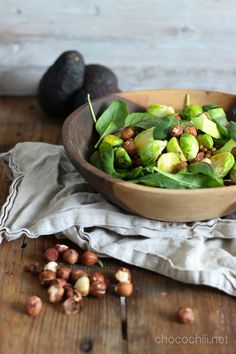 Paahdettu ruusukaalisalaatti Salad Recipes For Dinner, Salad Dressing Recipes, Easy Salads, Healthy Salad Recipes, Raw Food Recipes, Healthy Food, Brussel Sprout Salad, Sprouts Salad, Vegan Lunches