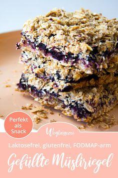FODMAP-armes Rezept auf Deutsch: Müsliriegel ohne Zucker. Sie sind perfekt als Snack für unterwegs zum Mitnehmen ins Büro, die Uni und zum Wandern. Oder als schnelles Frühstück. Noch mehr FODMAP-arme Rezepte auf Deutsch findest du auf meinem Blog Weglasserei. Sowie Motivation, um deine Nahrungsmittelunverträglichkeit oder Reizdarm in den Griff zu bekommen. #gesunderezepte #glutenfrei #laktosefrei #fructosearm #lebensmittelunvertraeglichkeit #fodmap #fodmapdiät #fodmaparm #lowfodmap Clean Eating Snacks, Healthy Snacks, Gluten Free Recipes, Vegan Recipes, Low Fodmap, Food Inspiration, Sugar Free, Sweets, Baking