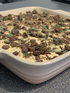 This traditional South African dessert recipe is from my best friend! I have tweaked the original recipe to incorporate two types of mint chocolate. YUM! This fridge tart is a favorite of many and super easy to make. Another benefit of this fridge tart is that it can be made in advance and left to chill in the fridge until serving. South African tradition Dessert Fridge tart Easy dessert Chocolate Peppermint crisp Nestle Sweet Easy Chocolate Desserts, Mint Chocolate, Easy Desserts, Dessert Recipes, Peppermint Crisp Tart, South African Desserts, Original Recipe, Diy Food, Scones
