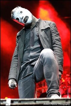 Corey Taylor with his All Hope is Gone mask