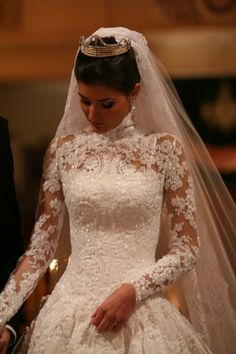 I love the lace over the corset. not just for bridal gowns White Wedding Gowns, Stunning Wedding Dresses, Princess Wedding Dresses, Dream Wedding Dresses, Beautiful Gowns, Wedding Bride, Bridal Dresses, Wedding Dress Sleeves, Applique Wedding Dress
