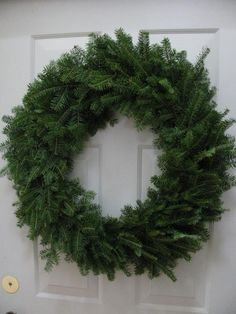 How to Make a Wreath From Natural Pine Tree Clippings | DIY Quick And Easy Wreath Tutorial by Pioneer Settler at http://pioneersettler.com/how-to-make-a-wreath/