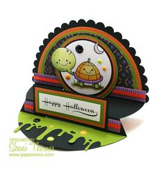 Presscut scalloped semi-circle die Halloween card with 2 Cute Ink Turtle Pumpkin digital stamp, by Paperesse.