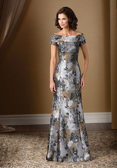 Jasmine Bridal Mother of the Bride/Groom Dress Jade Couture Style in Gold Couture Floral Jacquard Pattern. This gorgeous gold and grey flower patterned gown will sweep you off your feet! Feel glamorous and sophisticated with this floral jacquard sp Mother Of The Bride Dresses Long, Mothers Dresses, Mother Bride, Grooms Mother Dresses, Mother Of The Bride Fashion, Bride Groom Dress, Bride Gowns, Mob Dresses, Event Dresses