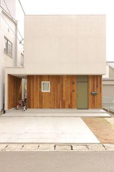 House archive of Gifu / 岐阜市の住宅アーカイブ | Works | 岐阜の設計事務所 ピュウデザイン|住宅設計、店舗設計、新築、リノベーション、家具デザイン Exterior Design, Interior And Exterior, Grey Wedding Decor, Japanese House, Beautiful Buildings, Prefab, Tiny House, House Design, Minimal Design