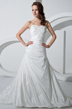Ruffle A-line Sweetheart Chapel Train Bubble Wedding Dress
