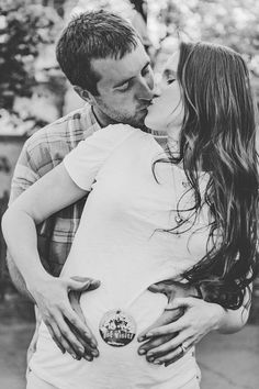 Disneyland Maternity Session by Love Meets Life - Inspired By This Disney Maternity, Maternity Poses, Maternity Pictures, Maternity Photography, Life Photography, Bump Pictures, Baby Bump Photos, Pregnancy Photos, Disney Pregnancy Announcement
