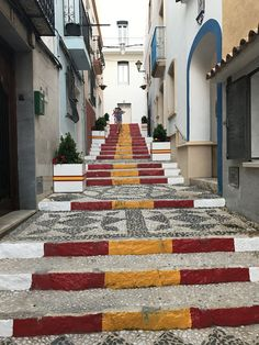 The Famous Spanish Steps In The Old Town of Calpe, to find out Visit our website. Stuff To Do, Things To Do, Moraira, Tapas Bar, Menu Restaurant, Event Calendar, Sandy Beaches, Outdoor Life, Where To Go
