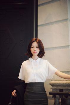 Yun Seon Young milkcocoa women t Yoon Sun Young, Lee Young, Korean Fashion Trends, Asian Fashion, Cute Girl Pic, Cute Girls, Korean Beauty, Asian Beauty, Beautiful Models