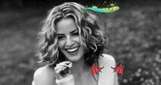 Curly Hair Cuts, Curly Hair Styles, Medium Curly Haircuts, Kayla Itsines Workout, Good Back Workouts, Elisabeth Shue, Plank Workout, Celebrity Hairstyles, Bikini Bodies