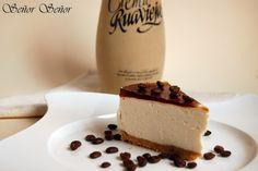 Un postre delicioso y original: tarta de queso de crema de orujo. | Recuerda que si quieres guardar la receta simplemente compártelay se guardará en tu muro para cocinarla cuando quieras :)