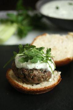Tastetrotting: Greek Lamb Burgers with Mint Tzatziki #SummerSoiree