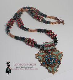 Perline modello CRAW crudo Peyote ciondolo collana Tutorial Karita di LadyAbeada su Etsy https://www.etsy.com/it/listing/265701184/perline-modello-craw-crudo-peyote
