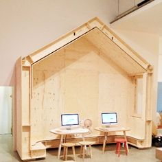 More photos from the launch of 'The Future Is Here' at the Design Museum - congratulations to the team at Wikihouse and Opendesk for all of their hard work! Tiny House Loft, Micro House, Tiny House On Wheels, Work Shop Building, Building A Shed, Wooden Dollhouse, Dollhouse Furniture, Plan Toys, Loft Room
