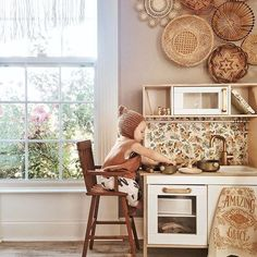 How cute is this play nook? http://petitandsmall.com/top-instagram-christine_simplybloom/
