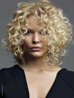 Capelli ricci corti,la moda estate 2014 #capellicorti #Shorthair #hairstyles #taglicapelli2014