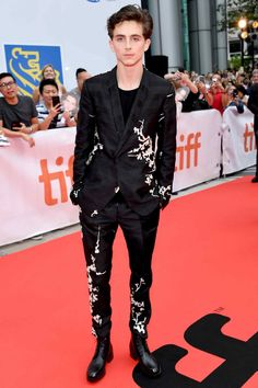 "Best Dressed Men of the Week Timothée Chalamet definitely has 'future fashion icon' written in his stars. Wearing Haider Ackermann At the ""Beautiful Boy"" premiere. British Academy Film Awards, Alexander Mcqueen, Haider Ackermann, Matthew Mcconaughey, Beautiful Boys, Pretty Boys, Pretty Men, Bad Boy Style, Men's Style"