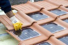 cheap green electricity from sunlight with solar roof tiles . - Wohnen Generate cheap green electricity from sunlight with solar roof tiles . - Wohnen - Generate cheap green electricity from sunlight with solar roof tiles . Solar Energy Panels, Solar Panels, Roof Panels, Alternative Energie, Tiny Homes, New Homes, Solar Roof Tiles, Sustainable Living, Sustainable Energy