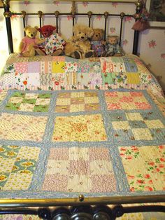 The quilt wot I made..... by the vintage cottage, via Flickr