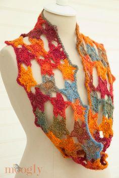 Starstuff Cowl - free #crochet pattern from Mooglyblog.com!