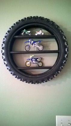 Image-Ergebnis für Upcycled Dirt Bike-Reifen - The Emporium - Dekoration Dirt Bike Bedroom, Motocross Bedroom, Bike Room, Dirt Bike Tires, Old Tires, Dirt Bikes, Bicycle Tires, Room Deco, Moto Cross