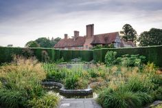 Berkshire — Dan Pearson Studio Contemporary Garden Design, Garden Landscape Design, Landscape Designs, Front Gardens, Formal Gardens, Folly Farm, Dan Pearson, Low Maintenance Garden Design, Woodland Garden